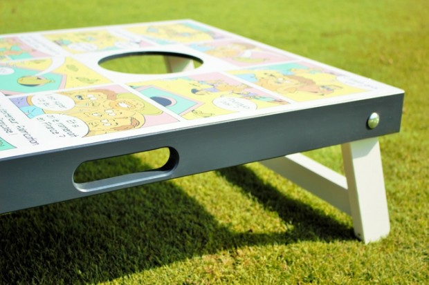 tigaro-planche-cornhole-jouet-bois-jeu-exterieur-decoration-graphisme-communication-bande-dessinee-illustration (4)